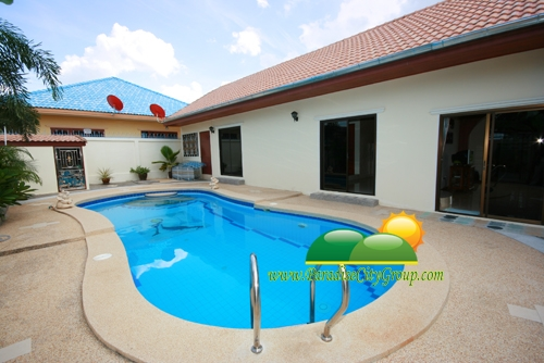 house-for-sale-with-swimming-pool-in-hua-hin