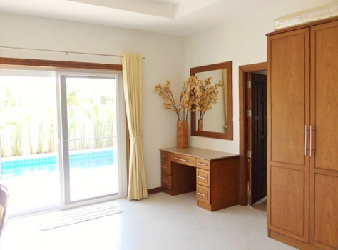 Luxury 2 Bed Villa With Pool