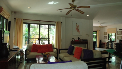 Hua Hin House for Rent with Private Swimming Pool (5).jpg