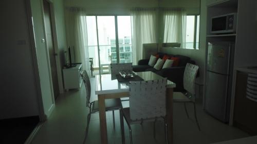 Condo the Sea Craze Hua Hin For Rent